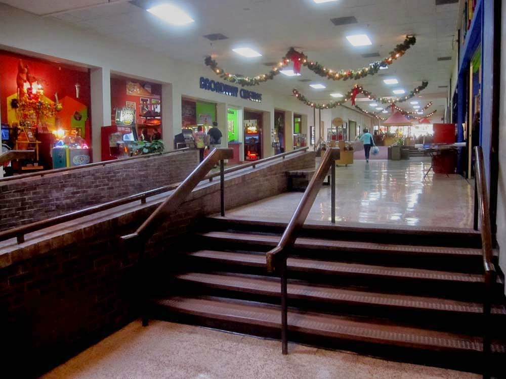 Movie theater in cedar hill mall