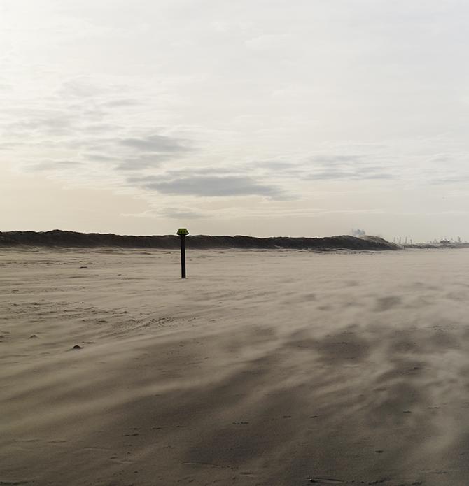 harde wind op strand