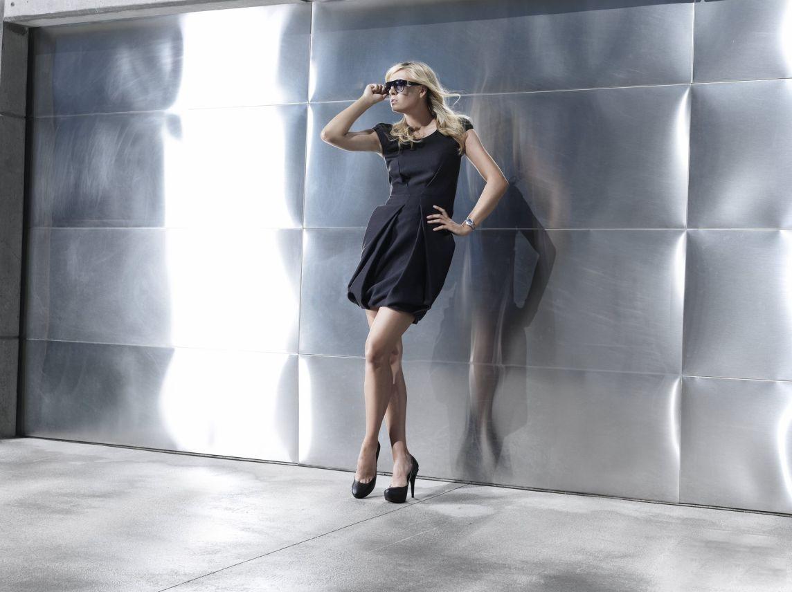 http://1.bp.blogspot.com/-aYt8_OwmuzA/TpqeDp_Po9I/AAAAAAAACHU/ZYbJjIkKRww/s1600/Sharapova-modeling.jpg