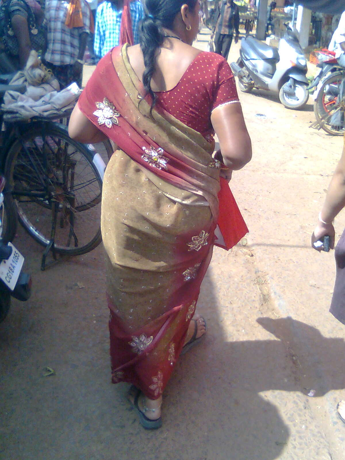 mature aunty back indian