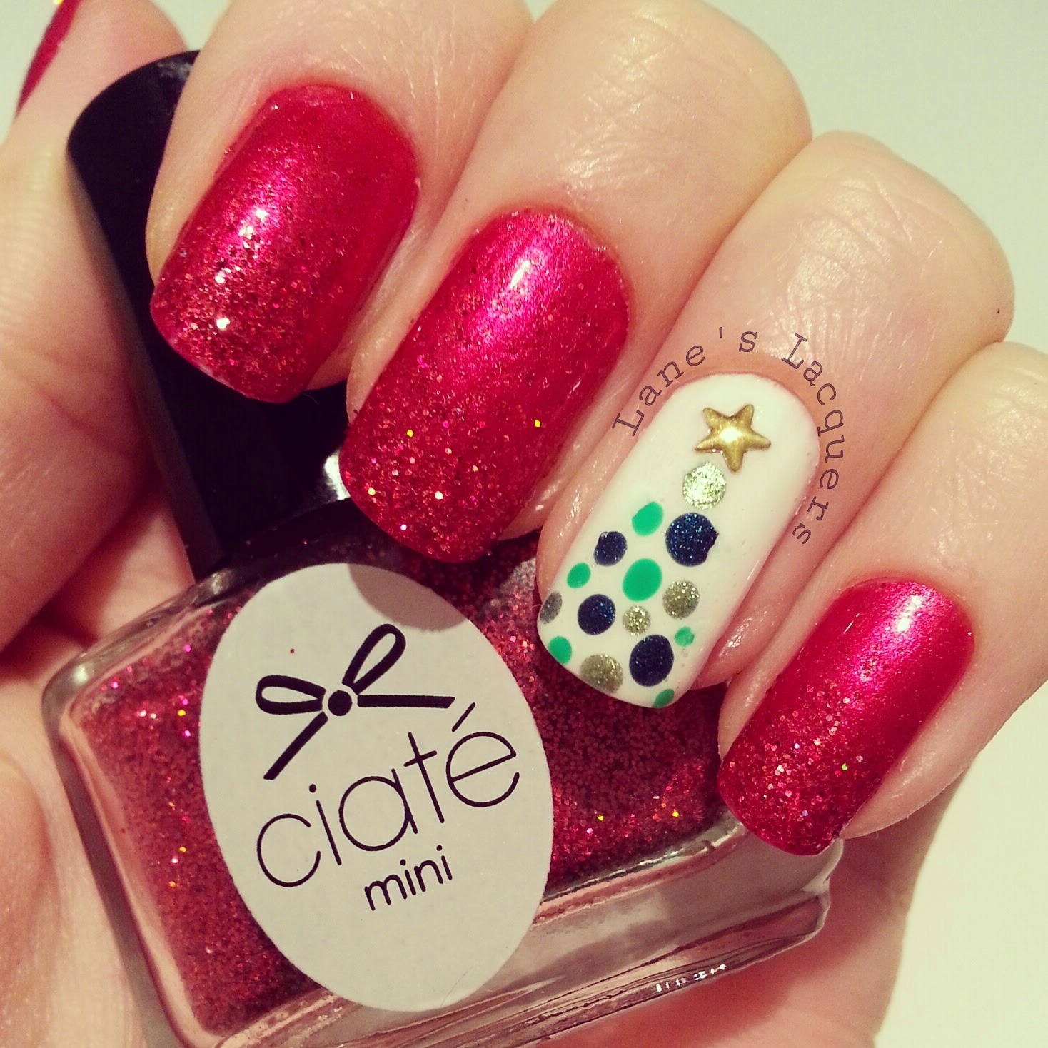 ciate-runway-ribbon-glitter-gradient-christmas-tree-nail-art (2)