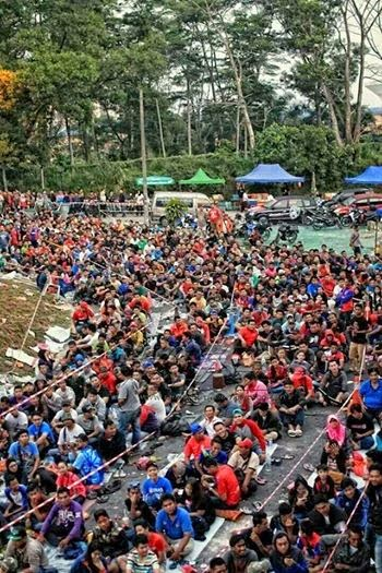 Gambar Sekitar Penjualan Tiket Di Larkin Johor 30 Okt 2014