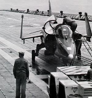 Подготовка к буксировке Як-38
