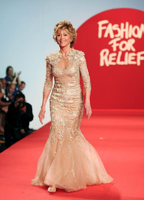 JANE FONDA EN EL FASHION FOR RELIEF