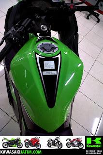 Ninja 250FI SE tank Lime Green