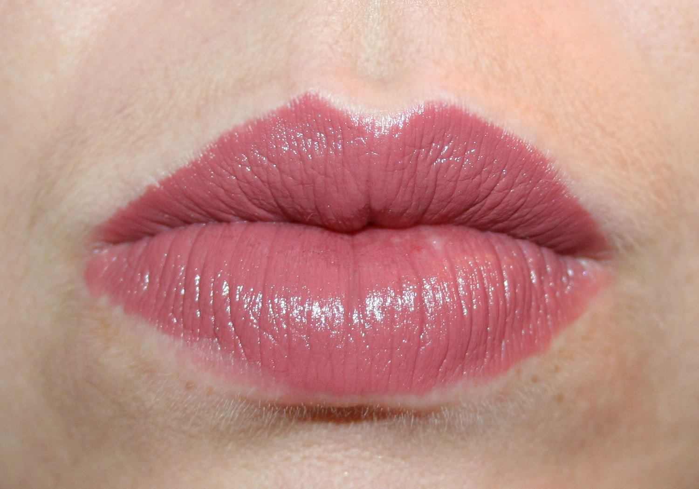 No Bowl of Cherries...: MAC Lipstick ... A Review