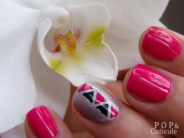 Pop & Cuticule, Nail art été facile rose graphique triangle