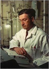 """Prof. Aaron Lerner (1920-2007) at Yale:  <br>""""Melatonin"""" と """"alpha-MSH"""" の発見者"""