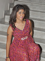 Actress Geethanjali Glamorous photos-cover-photo