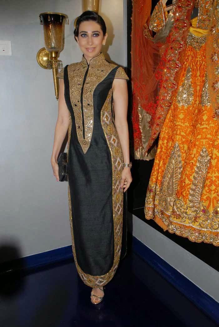 Karishma Kapoor at Mayyur Girotra Couture