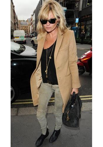 Kate Moss abrigo camel