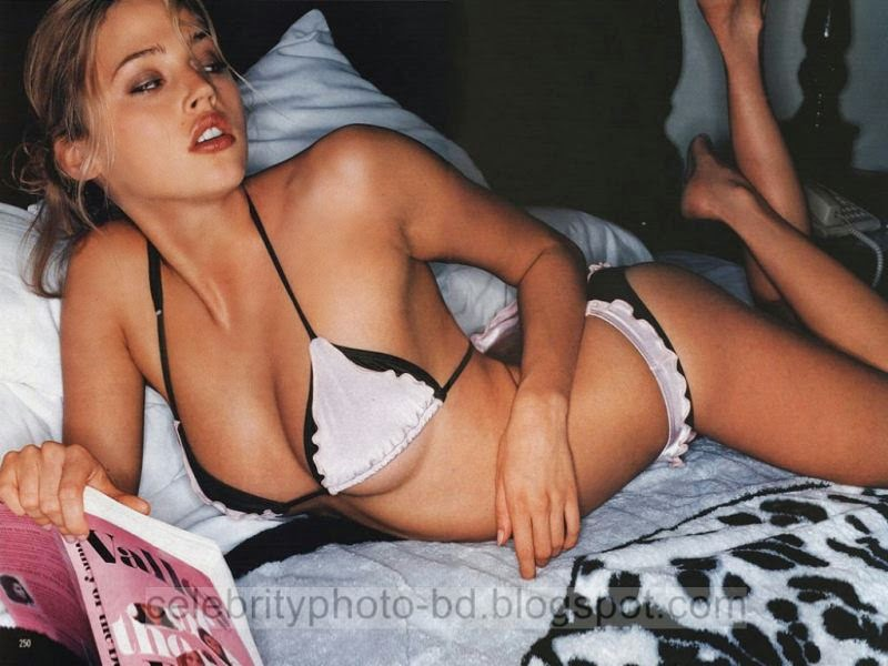 Emmy+Rossum+Latest+Hot+Photos+With+Short+Biography007