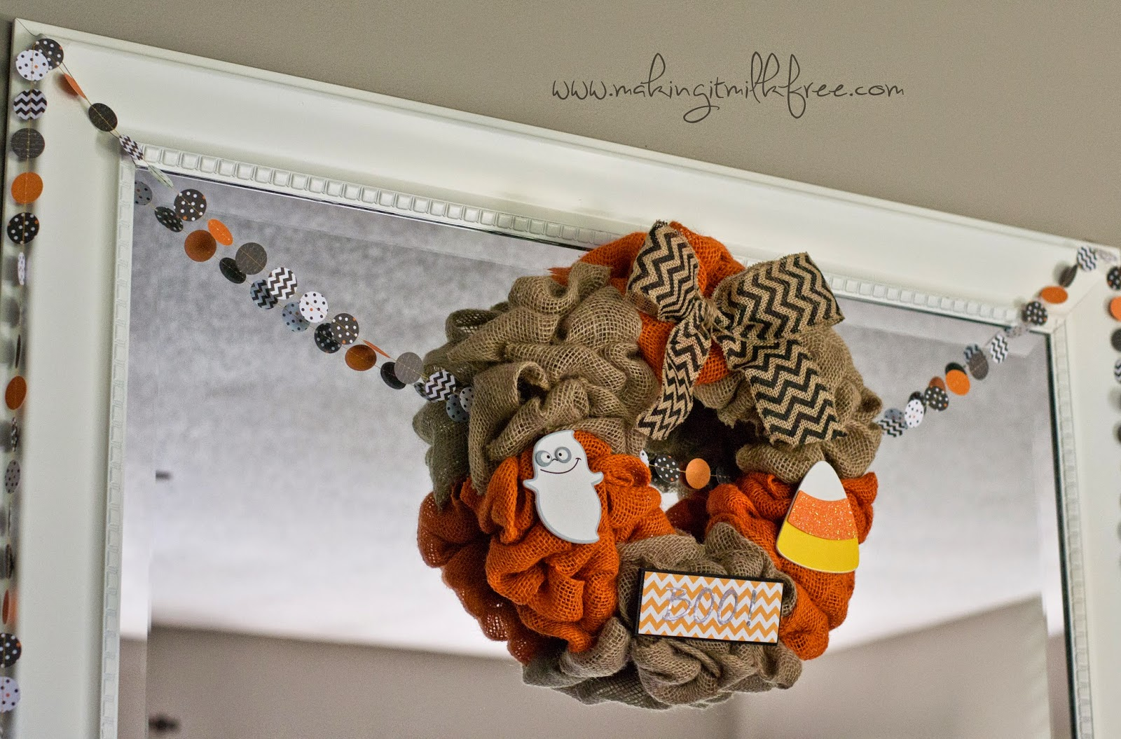 #homedecor #halloween #burlapwreath #garland