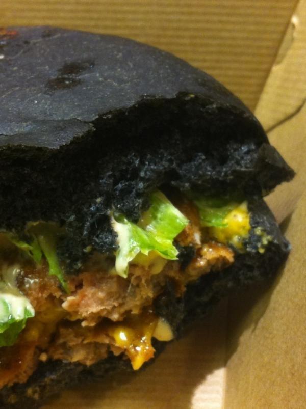 ساندويتش أسود