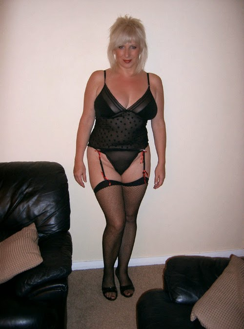 Mature claudia aunt judys stockings