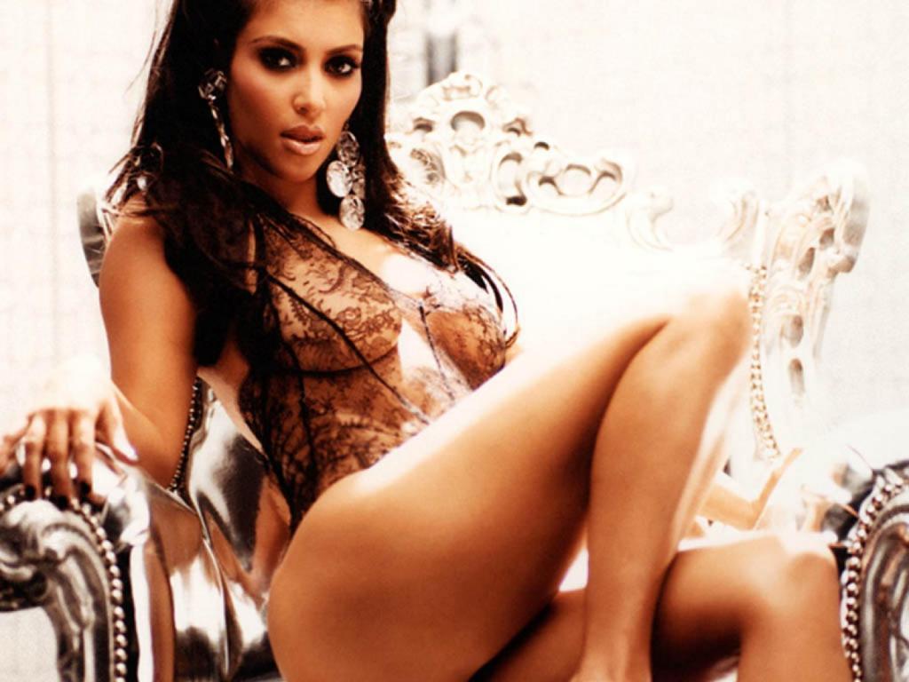 http://1.bp.blogspot.com/-a_s8sMRQJIs/TaLVDkrgkpI/AAAAAAAABzA/CiBFx-MmLn4/s1600/kim_kardashian_32903-1024x768.jpg