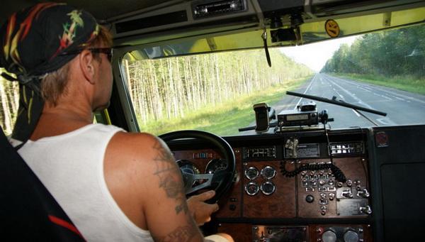 Секс в кабине грузового автомобиля фото