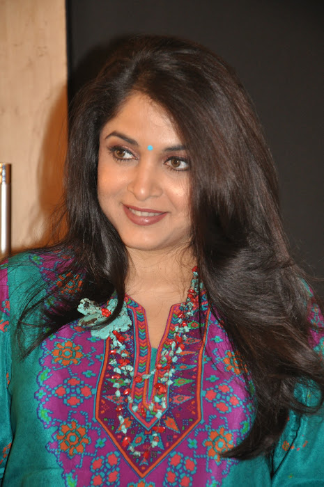 ramya krishna new look @ cinthol contest hot images