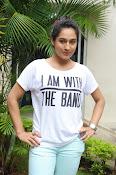 Pooja Ramachandran Glamorous photos-thumbnail-17