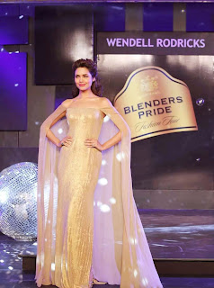 1 Esha Gupta in Golden Gown at Blenders Pride Event.jpg