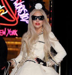 Gelar Konser Lady Gaga, Big Daddy Minta Mediasi Dengan Fpi [ www.BlogApaAja.com ]