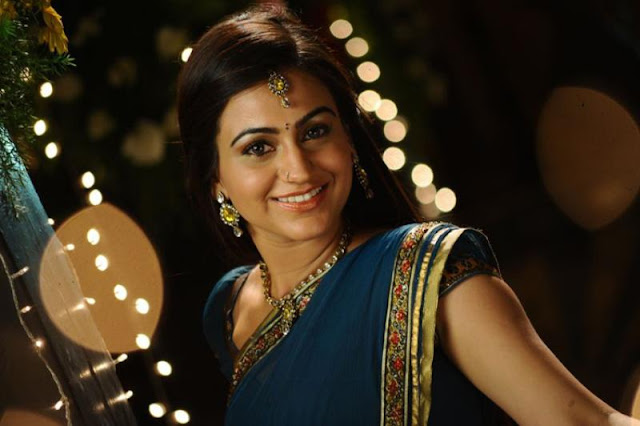 aksha in saree new unseen pics