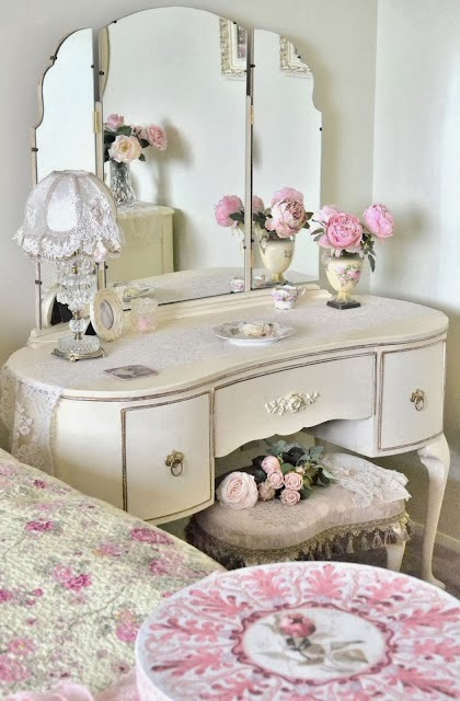 15 shabby chic bedroom decor ideas the lab on the roof for Shabby chic definition