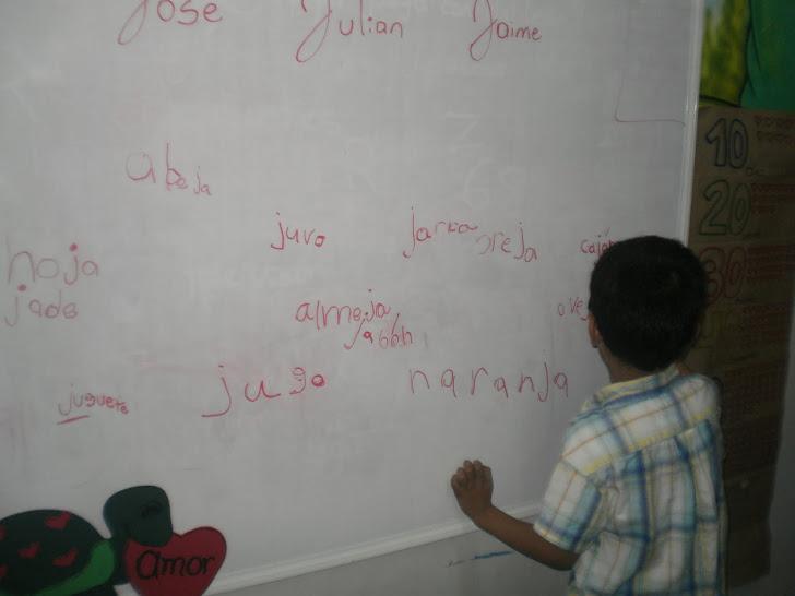 pienso y escribo palabras con el fonema j
