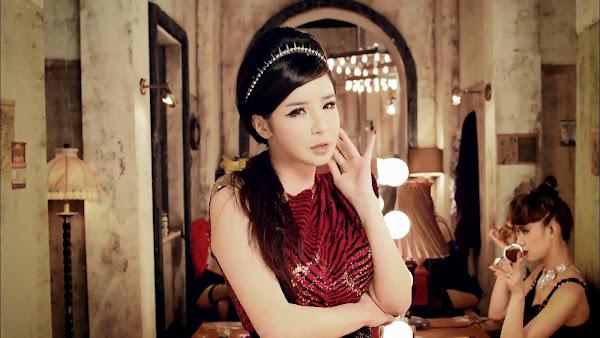 2NE1 Bom Crush