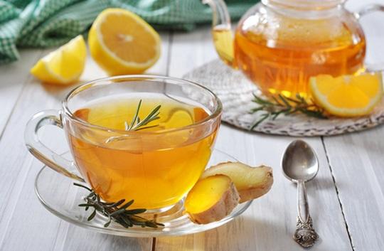Té con miel y limón