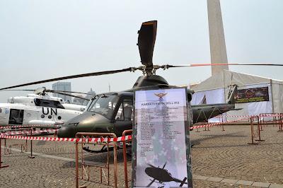 gambar Helikopter Bell 412