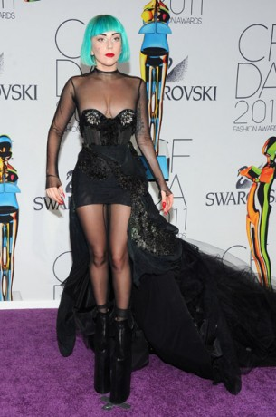 lady gaga 2011 cfda fashion. Lady Gaga Given Fashion Icon