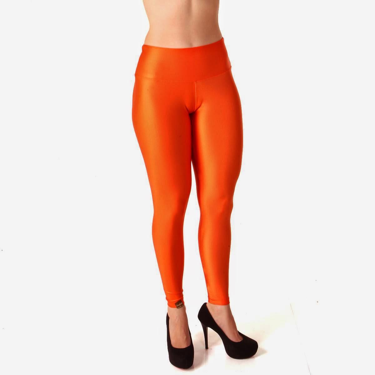 Calça metalizada laranja