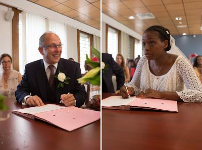 les mariés signent le registre - mairie du Gosier - Guadeloupe