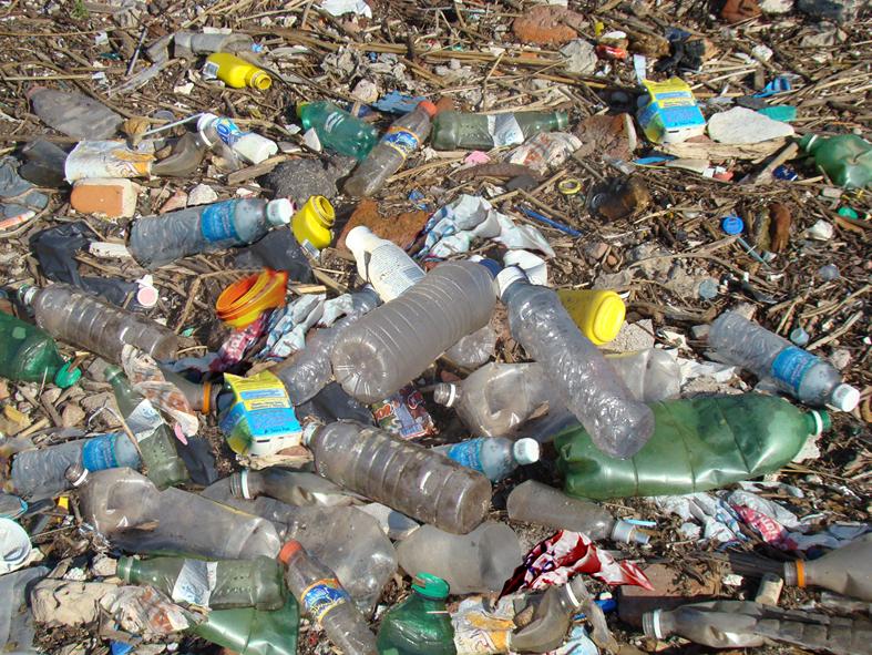 and basura Inicio mostrando todos os 15 resultados la basura #15 – objetivos da missão la basura #14 – dante vs el feo la basura #13 – el inferno la basura #12 – i.