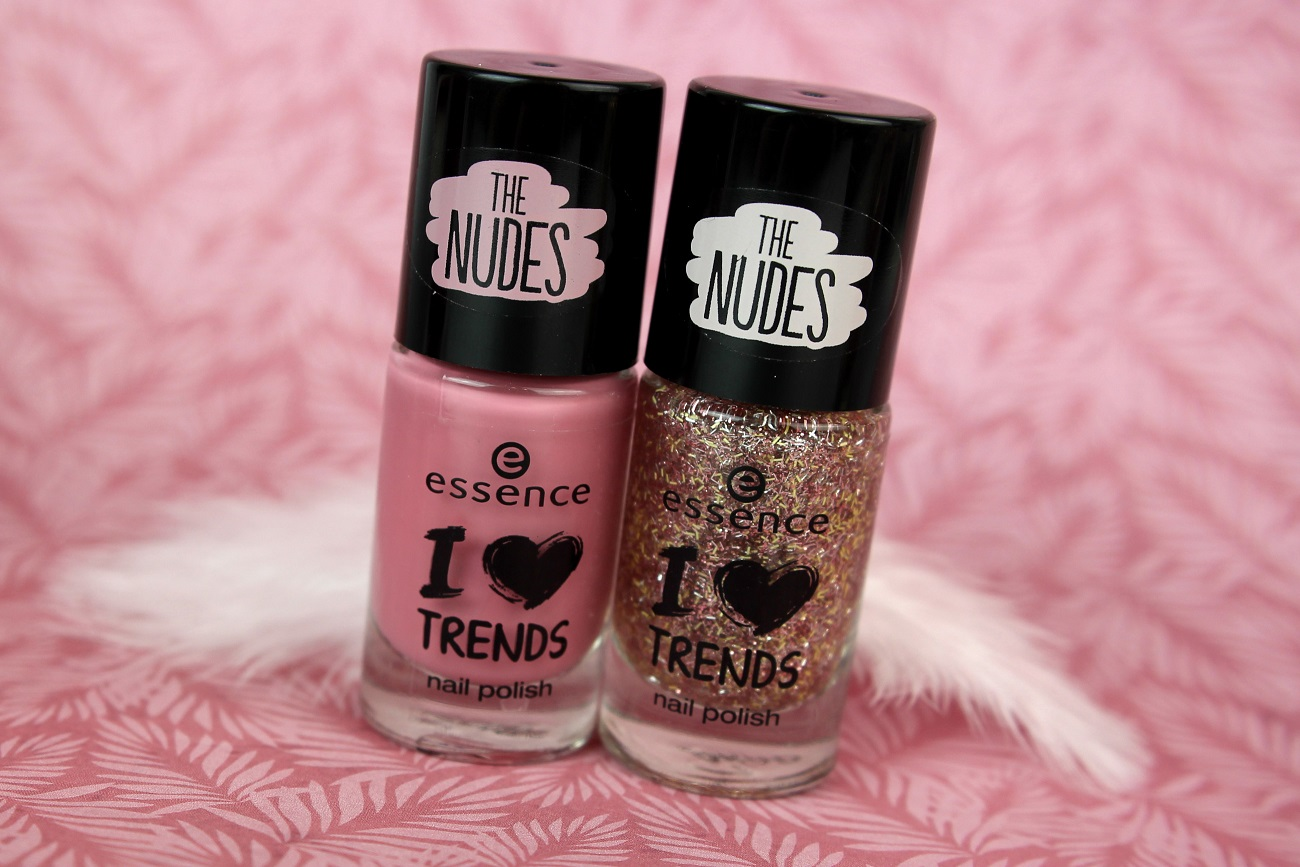 essence, nails, nagellack, drogerie, festlich, weihnachten, silvester, nailpolish, glitzer, glitter, cupcake topping, hope for love, rosa, review, neues sortiment, the nudes, lange nägel, swatches, tragebilder,