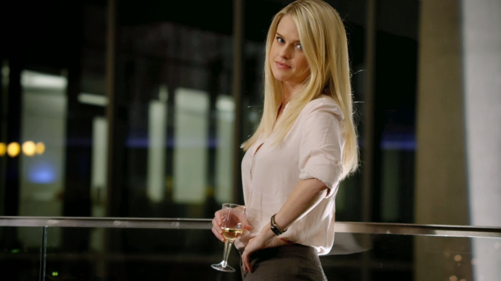 TOP STARS HD WALLPAPER FREE DOWNLOAD: Alice Eve Top Star ...