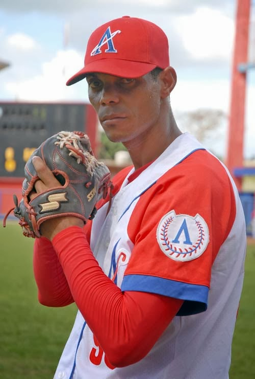 Jos ngel garc a llega a 20 salvados en campeonato cubano - Precio hora jardinero ...