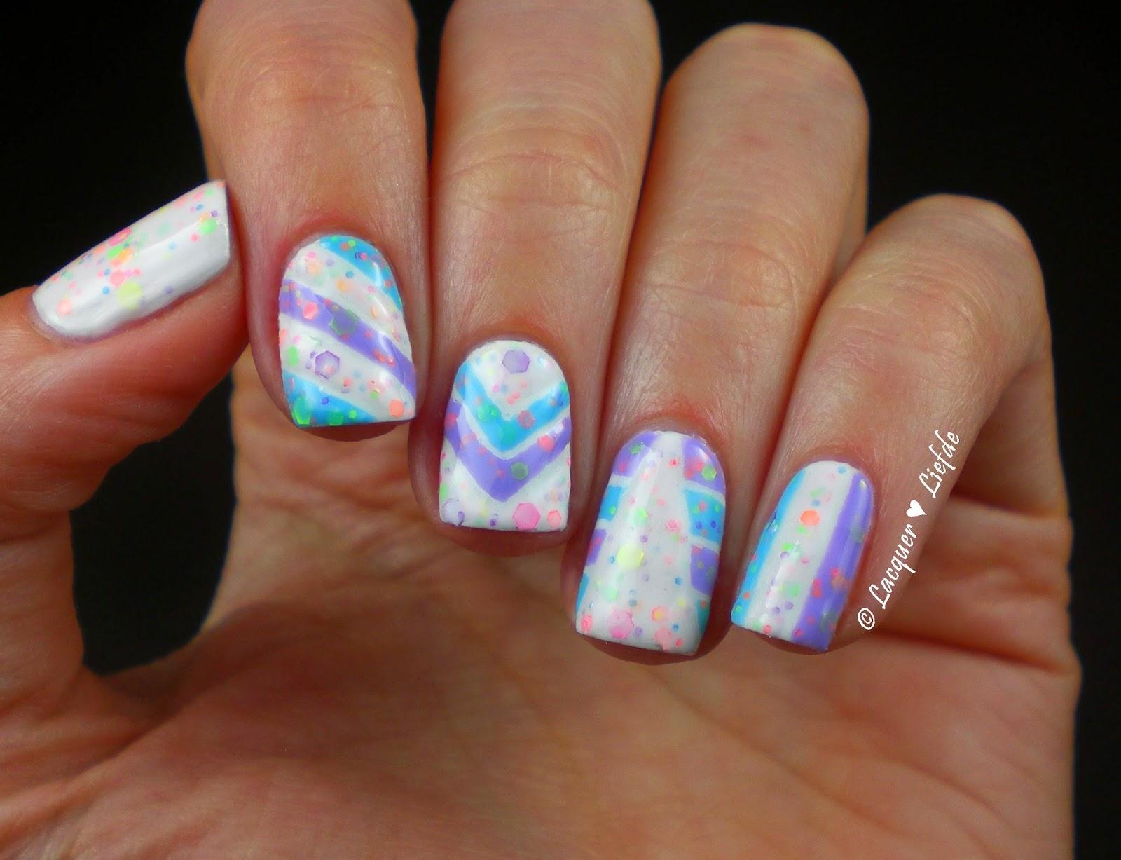 Yes Love Neon Glitter Karnevals Design