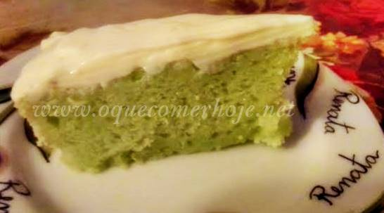 Bolo de limão com gelatina verde receita