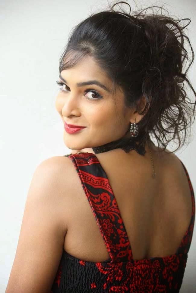 Madhumitha at 'Maine Pyar Kiya' Movie Success Meet