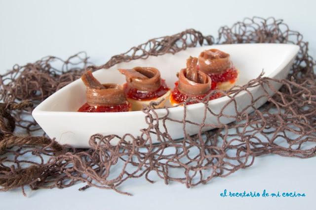 Tartaletas de pimiento confitado y anchoa
