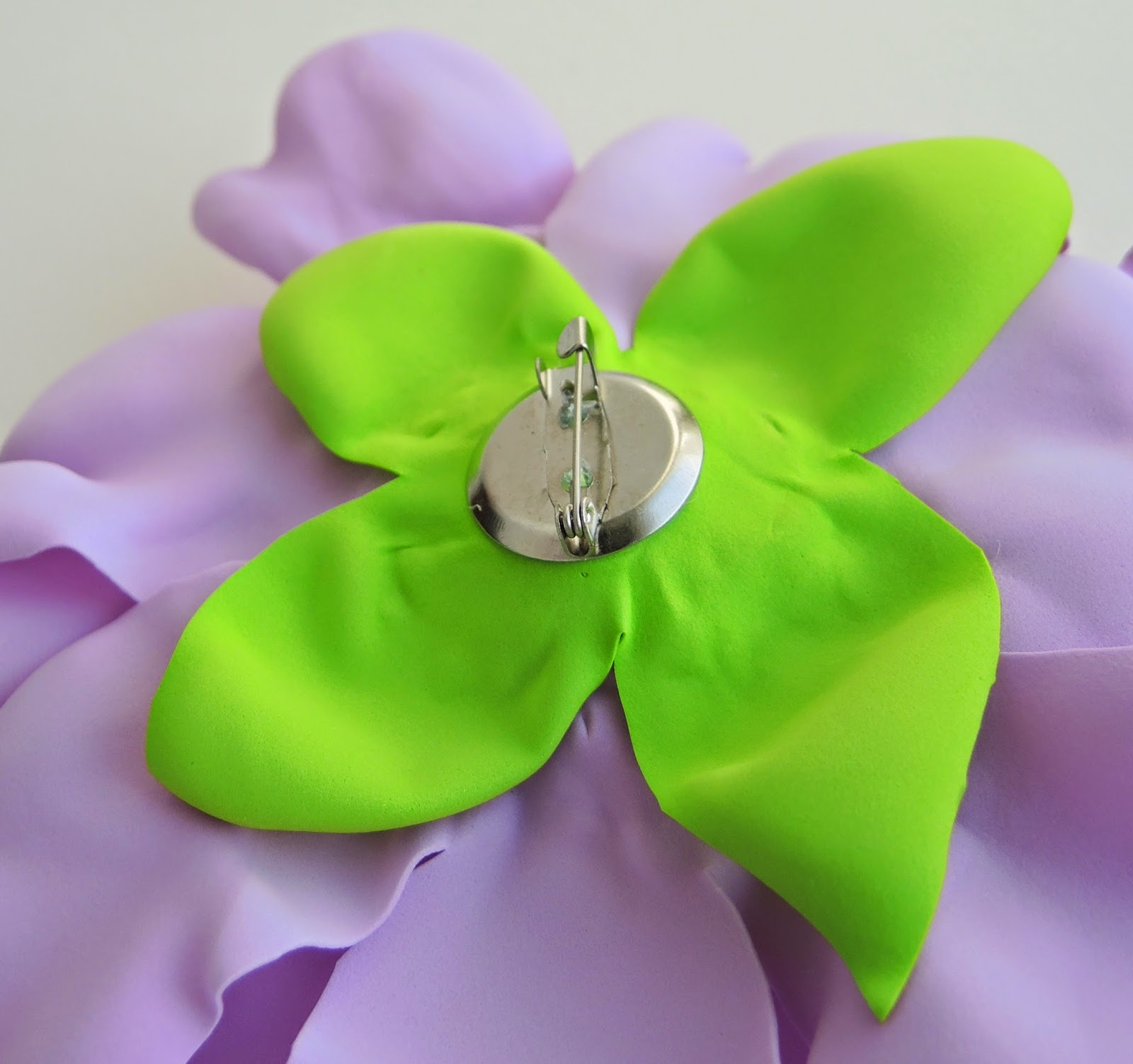 brooch, flower, peony, handmade, gift, present, брошь, пион, фоамерам, фом, сделать своими руками, подарок, подарок для девушки, подарок для женщины, бижутерия, украшения,
