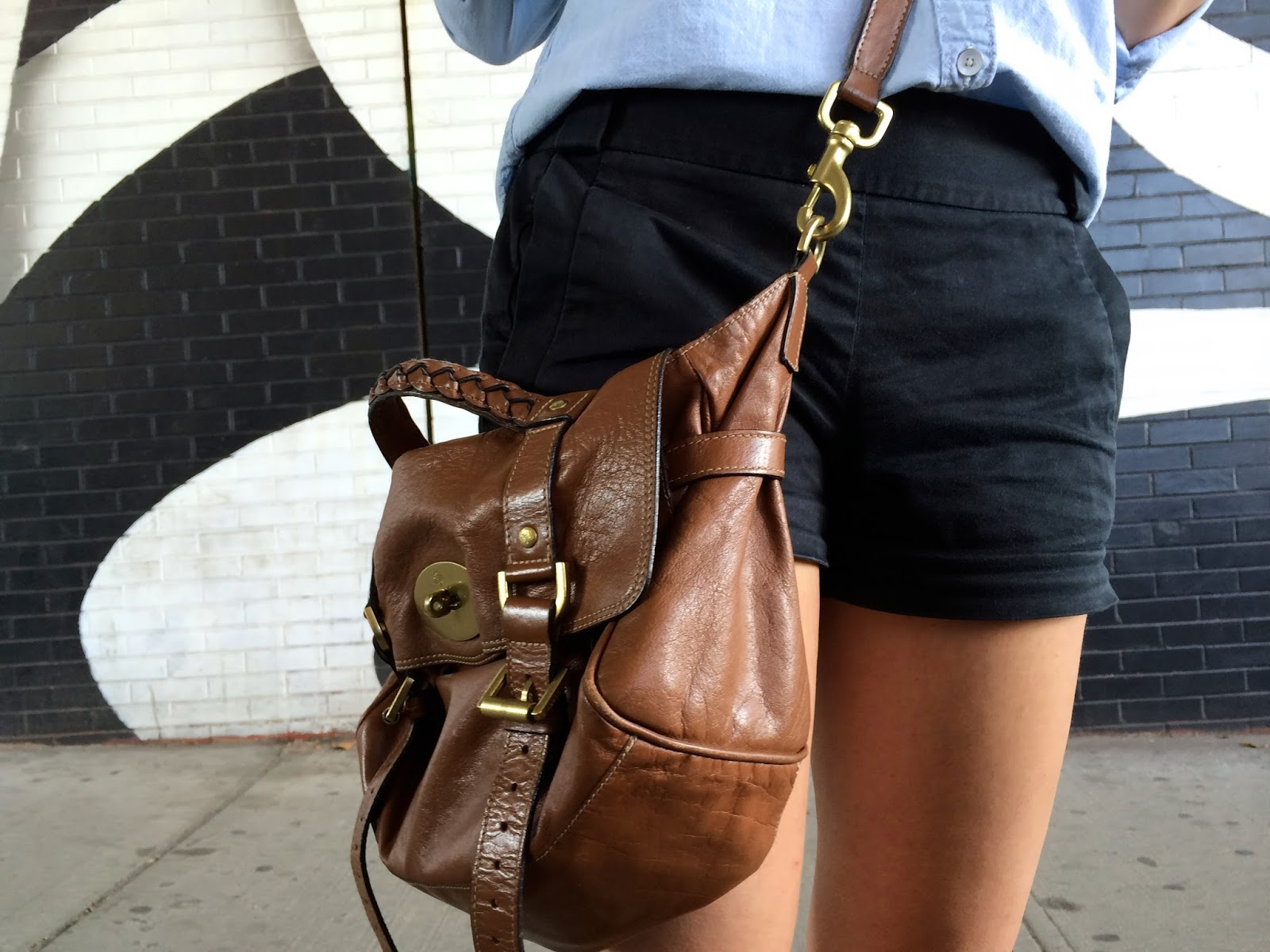 black + blue | chambray shirt, black shorts, mulberry alexa