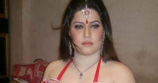 Pakistan Hot Mujra: Bindia Rani Spicy Hot Rainy Mujra Video