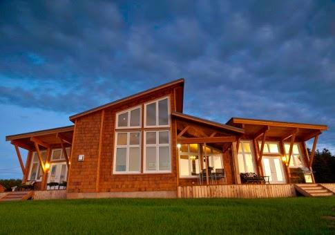 modelo de casa de una planta con techo alto