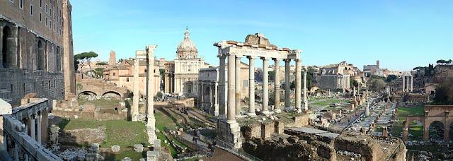 Reruntuhan bangunan forum pada masa republik di Romawi.