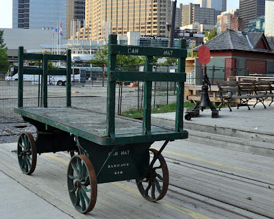 how to get to nathan phillips square by go train