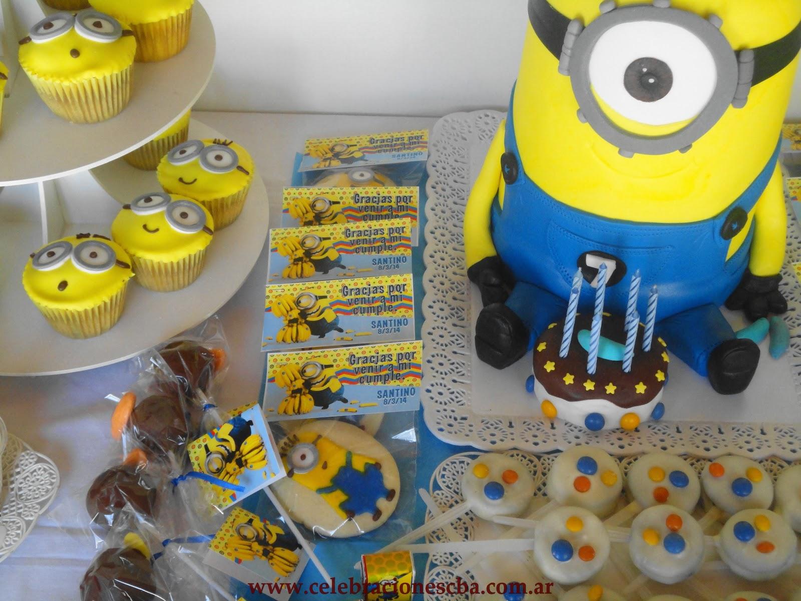 Mesas de dulces para fiestas minions mesa de dulces for Modelos de mesas