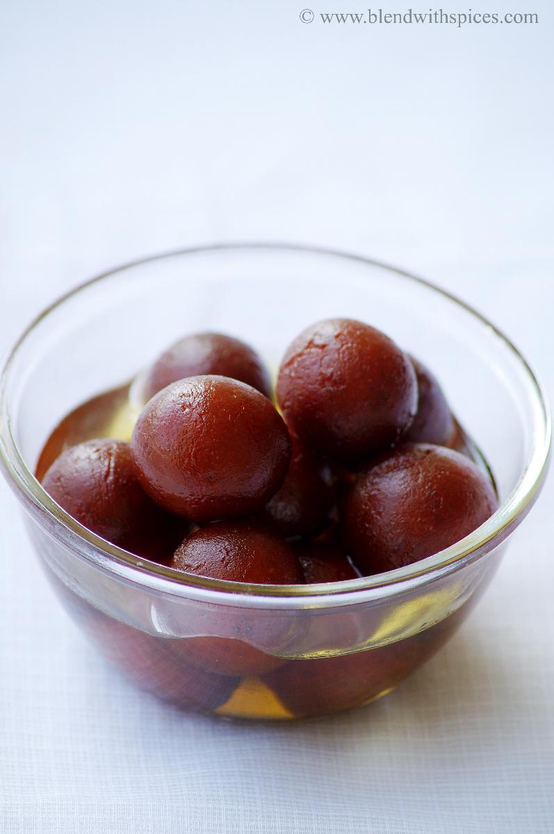 gulab jamun recipe, how to make gulab jamun with khoya, recipe for gulab jamun
